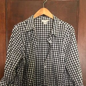 Black and White Gingham Women's Button-Up Size XL